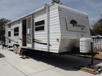 2003 Monterey by Kit Rv. 28 foot long. Nice very clean