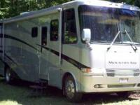 2003 Newmar Mountain Aire This Class A Motor Home is in