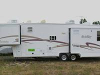 2003 NuWa HitchHiker Premier 5th wheel with 3