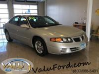 LEATHER, HEATED SEATS, REMOTE START, 2 Power Seats, CD,