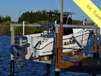 This 2003 Seaswirl Striper 2301 CC makes sure to be the