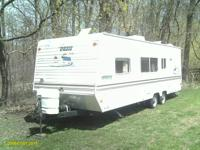 2003 /shasta 24ft.  dule axle..weight 4024//5800