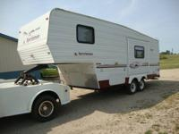2003 SPORTSMEN 24FOOT 5TH WHEEL W/ ONE SLIDE   MODEL