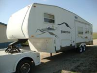 2003 STARCRAFT HOMESTEAD 5TH WHEEL   29 FOOT IN LENGHT