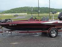 2003 triton tr186 bass boat. 2003 johnson 150 hp. 2003