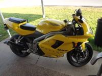 up for sell in my 2003 triumph daytona 955i. this bike