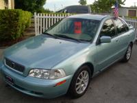 03' Volvo S40 Turbo!! Auto, leather, cold a/c, window
