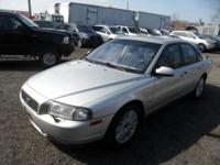 2003 Volvo S80 - MOONROOF Leather- Fully Packed-