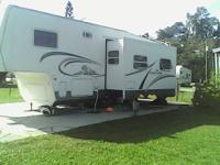 2003 Cedar Creek 5th Wheel 30 Ft Travel Trailer. One