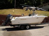 2003 WELLCRAFT 250 Fisherman 25 center console, twin