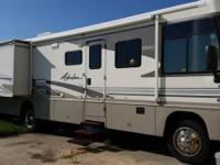 2003 Winnebago ADVENTURE, 64000 miles, 8.1 Engine, 2