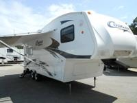 2003 Glendale Titanium 28E33B 5th Wheel with Super