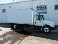 2003 International 4300 2003 International 4300 18' Box
