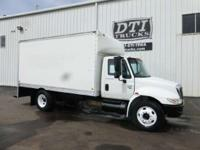 2003 International 4300 2003 International 4300 16' Box