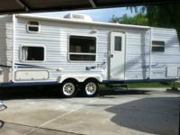2003 27 ft Jay flight by Jayco travel trailer with bunk