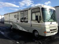 Awesome FleetWood RV 2003 Pace Arrow 37' Motorhome!!!