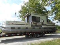 2003 Sun Tracker 32ft part cruiser signature series 3.0