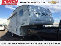 2003 Wildcat, White, Very clean fifth wheel camper!