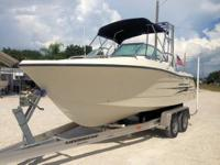 This 2004 20' Hydra-Sport Dual Console w/ Yamaha 150HP