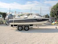 This 2004 20' HydraSports Bay Boat is powered by a