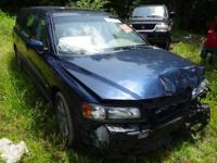 Selling in parts Only 1.- 2004 Volvo V70 SW (Navy) 2.4L