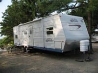 2004 29' Jayco Jay Flight with slide. Two bunks in the