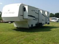 Stock Number: 722617 . 2004 King of the Road 5th wheel
