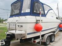 - Stock #78068 - This 2004 Bayliner 222 Classic Cruiser