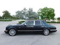This 2004 Bentley Arnage R has a shining BLUE exterior