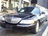 Limo: 2004 Black 70-inch Lincoln Towncar Limo for Sale