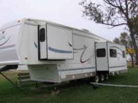 Description Full Financing Available! 2004 36RLE Series