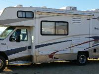 2004 Coachmen Freelander-Class C Gas, automatic