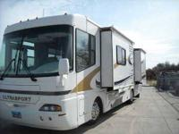 2004 Damon Ultrasport With its predominantly off white