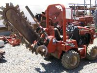2004 Ditch Witch RT 40 RT 40 Hydraulic rear-slide depth