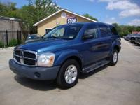 4WD! TOWING PACKAGE! Check out this 2004 Dodge Durango