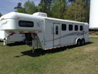 2004 Double D 4 horse Trailer with small weekend