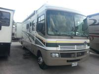 2004 FLEETWOOD BOUNDER 35e (36 FT LONG) 37,700 MILES  1