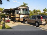 2004 Fleetwood Discovery This Class A recreational