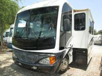 2004 Fleetwood Pace Arrow 37C Clean gas coach--road