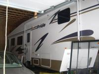 RV Type: Fifth Wheel Year: 2004 Make: Fleetwood Model: