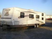 2004 30ft Fleetwood Prowler Bunk House. The Camper