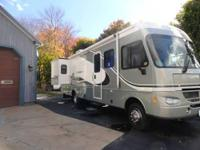 2004 FLEETWOOD SOUTHWIND 32V Class A Motor Home, 28,283