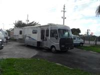 Pre-Owned 2004 Fleetwood RV Southwind 37C Motor Home
