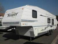 2004 Fleetwood Terry 295-2BS 2 BEDROOM LARGE SLIDE