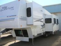 2004 Fleetwood Terry Quantum M-AX6. 2004 Fleetwood