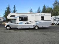 2004 Fleetwood Tioga SL...2 slides..28ft..one