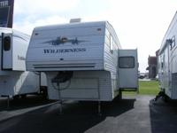 Vehicle Type: Fifth Wheel Make: Fleetwood Year: 2004