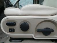 5.4L V8 EFI 24V, 4WD, ABS brakes, Alloy wheels,