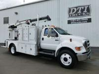 Great Running Well Equipped Lube/ Service Truck Ready