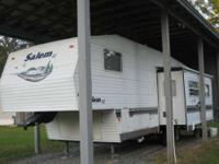 2004 Forest River Salem 27RLSS 5th Wheel. 2004 Salem